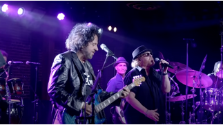 Toto : le concert «With A Little Help From My Friends» sortira le 25 juin en CD, DVD et Blu-Ray !