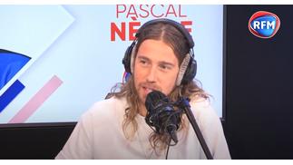 Découvrez l'interview de Julien Doré au micro de Pascal Nègre
